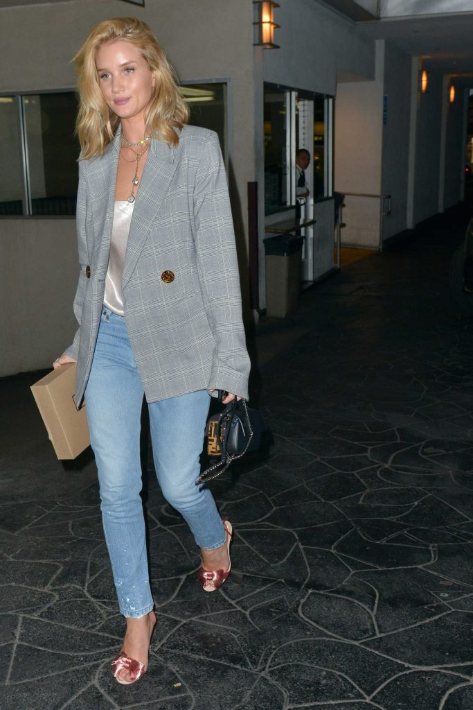 Rosie Huntington-Whiteley Stepped Out in Beverly Hills-2