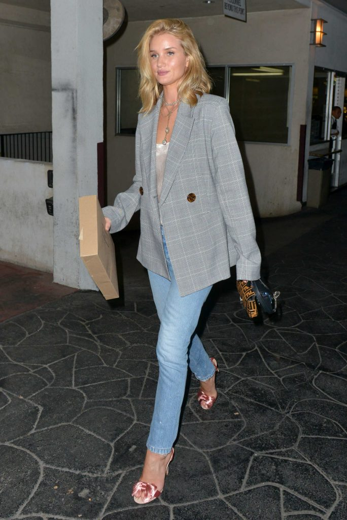 Rosie Huntington-Whiteley Stepped Out in Beverly Hills-3