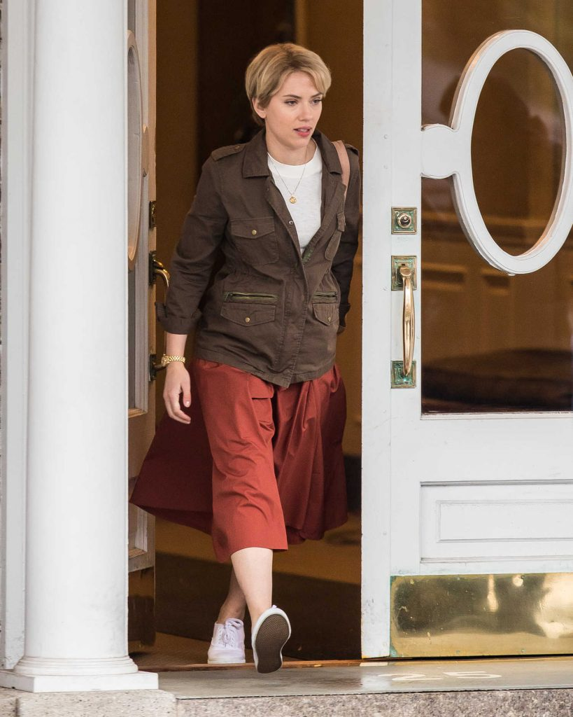 Scarlett Johanssonon on the Set of Untitled Noah Baumbach Project in Park Slope in Brooklyn-1