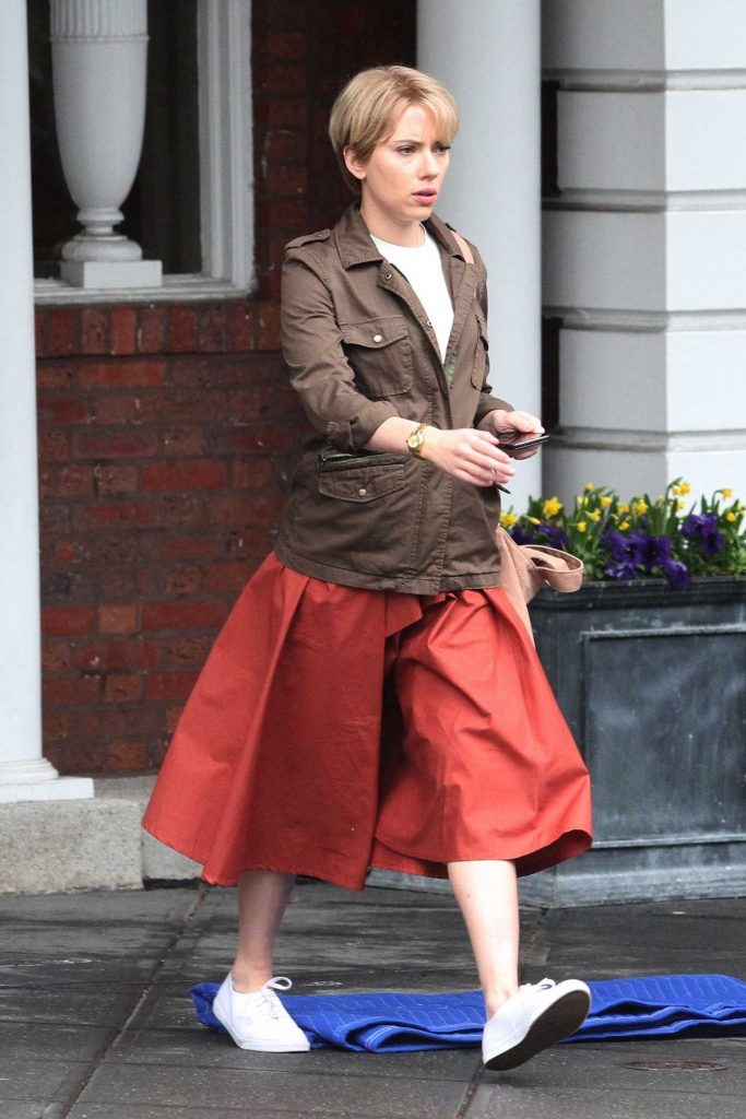 Scarlett Johanssonon on the Set of Untitled Noah Baumbach Project in Park Slope in Brooklyn-4