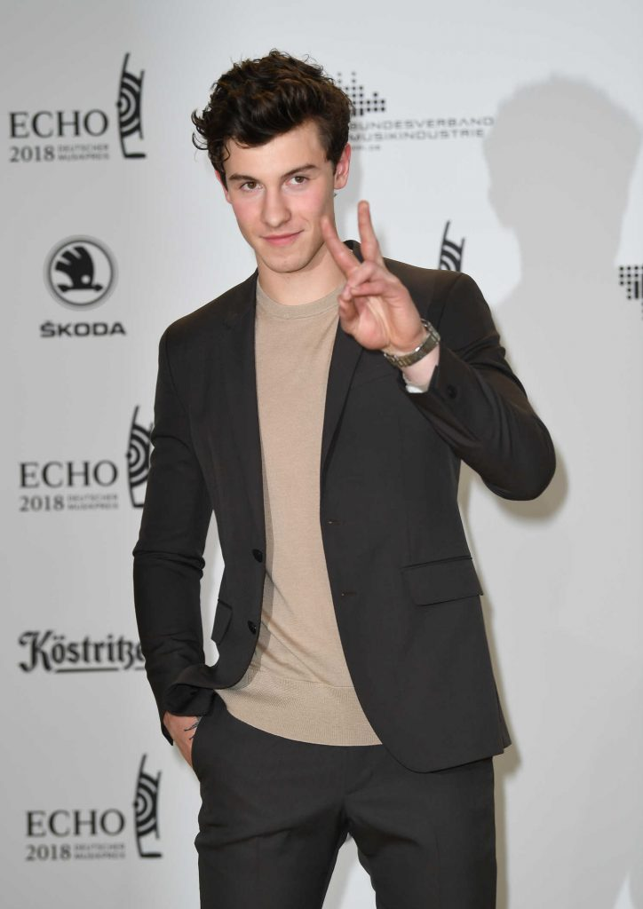 Shawn Mendes at 2018 Echo Music Awards in Berlin-2