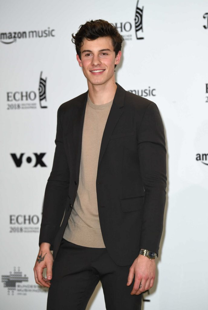 Shawn Mendes at 2018 Echo Music Awards in Berlin-3