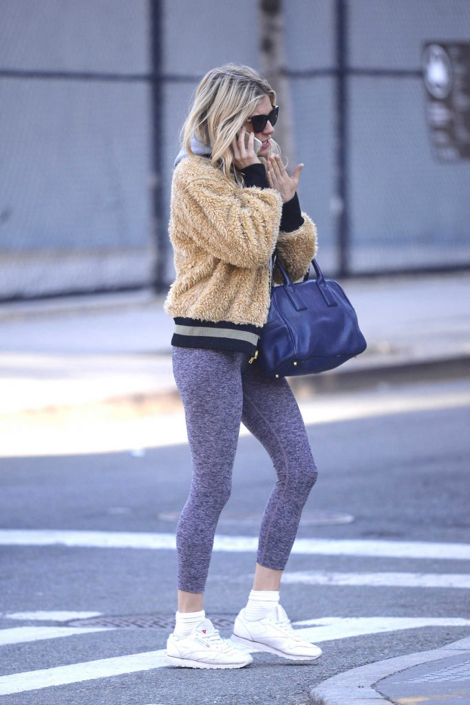 Sienna Miller Was Spotted Out in NYC-2