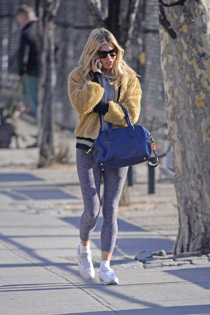 Sienna Miller Was Spotted Out in NYC-4