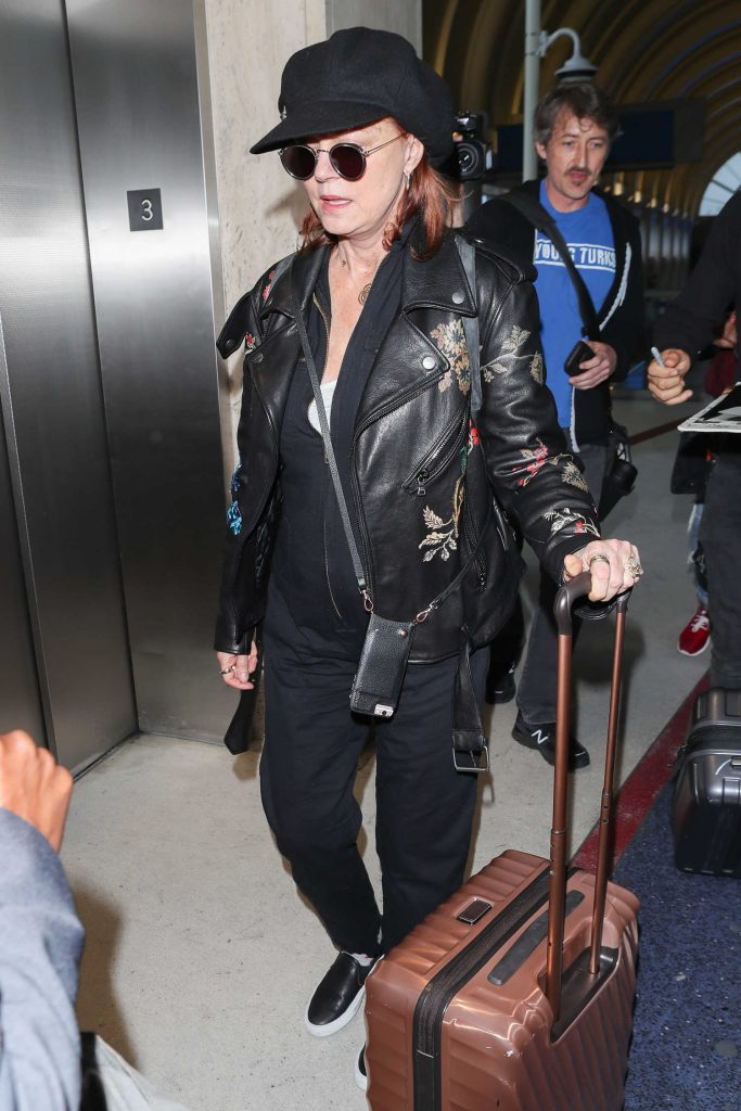 Susan Sarandon Was Spotted at LAX Airport in Los Angeles-2