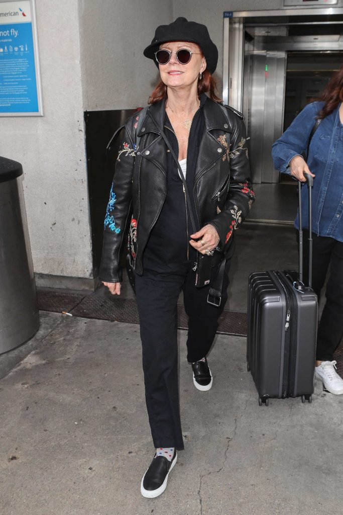 Susan Sarandon Was Spotted at LAX Airport in Los Angeles-3