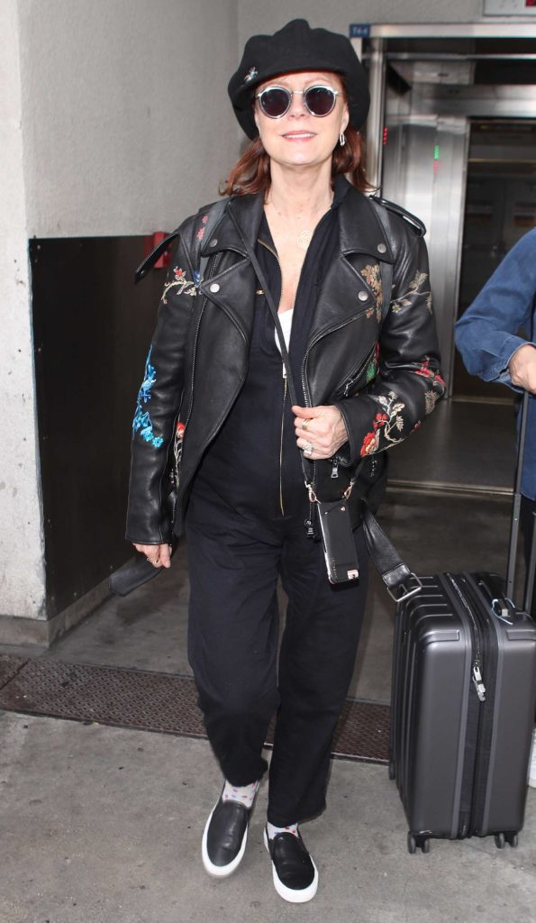 Susan Sarandon Was Spotted at LAX Airport in Los Angeles-4