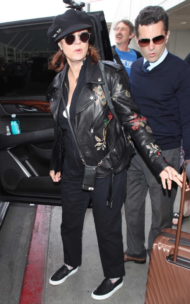 Susan Sarandon Was Spotted at LAX Airport in Los Angeles-5