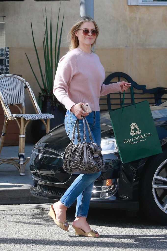 Ali Larter Out Shopping in Beverly Hills-3