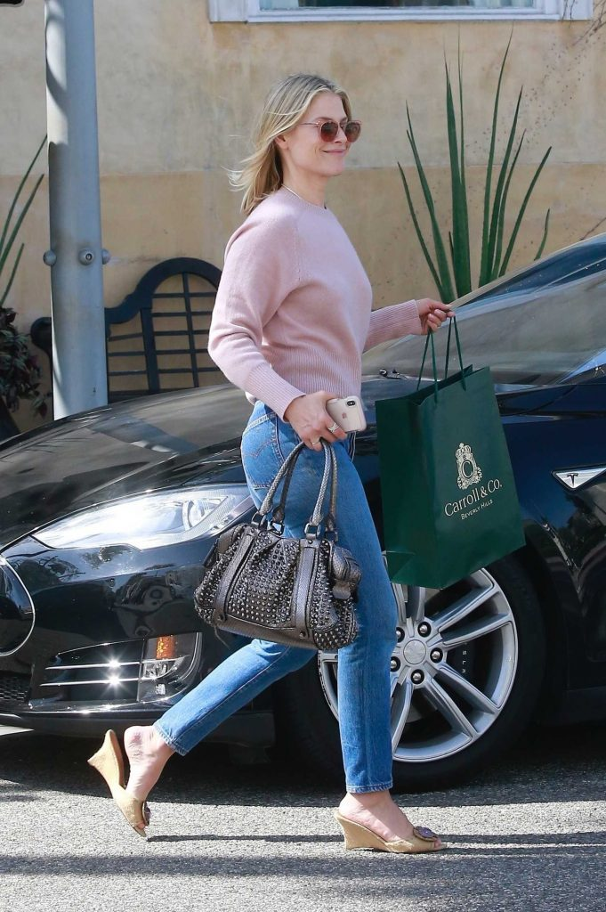 Ali Larter Out Shopping in Beverly Hills-4