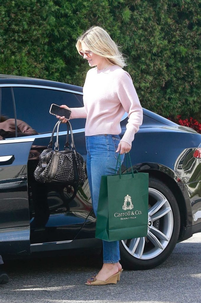 Ali Larter Out Shopping in Beverly Hills-5