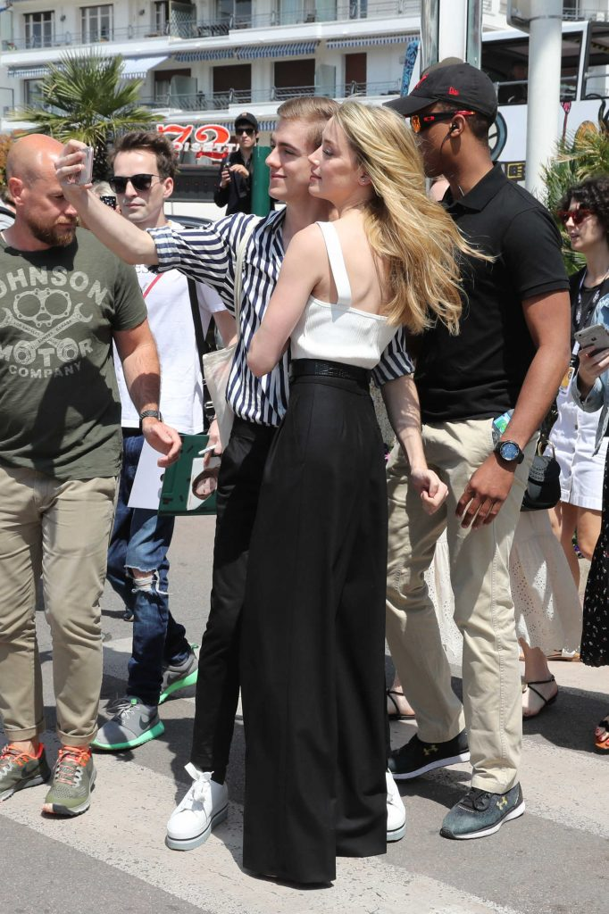 Amber Heard Wears a White Vest Out in Cannes-3