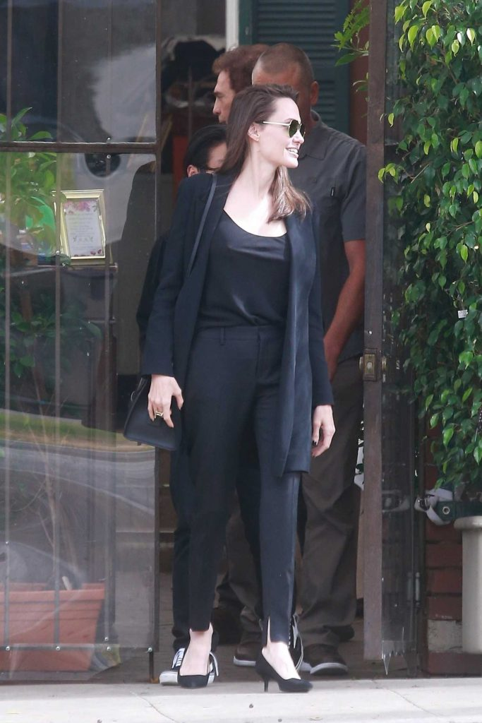 Angelina Jolie Was Seen Out in Beverly Hills-3