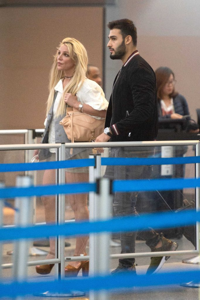 Britney Spears Was Spotted at JFK Airport in NYC-4