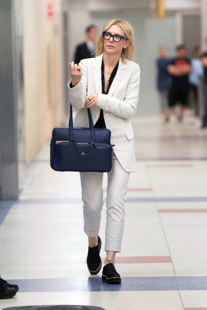 Cate Blanchett Arrives at JFK Airport in New York City-1