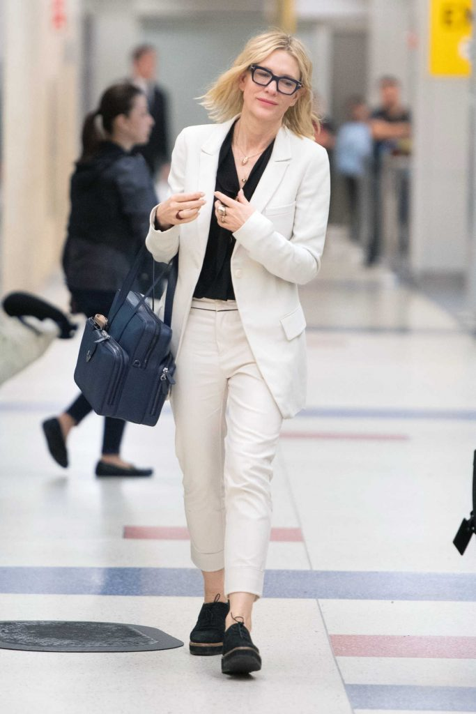 Cate Blanchett Arrives at JFK Airport in New York City-2
