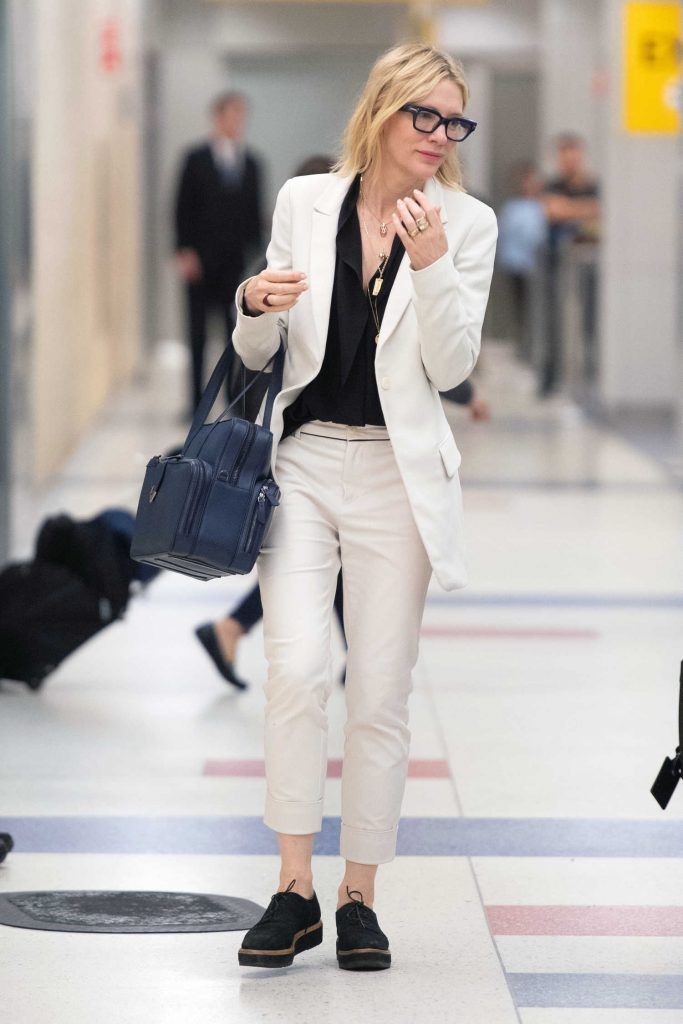 Cate Blanchett Arrives at JFK Airport in New York City-3