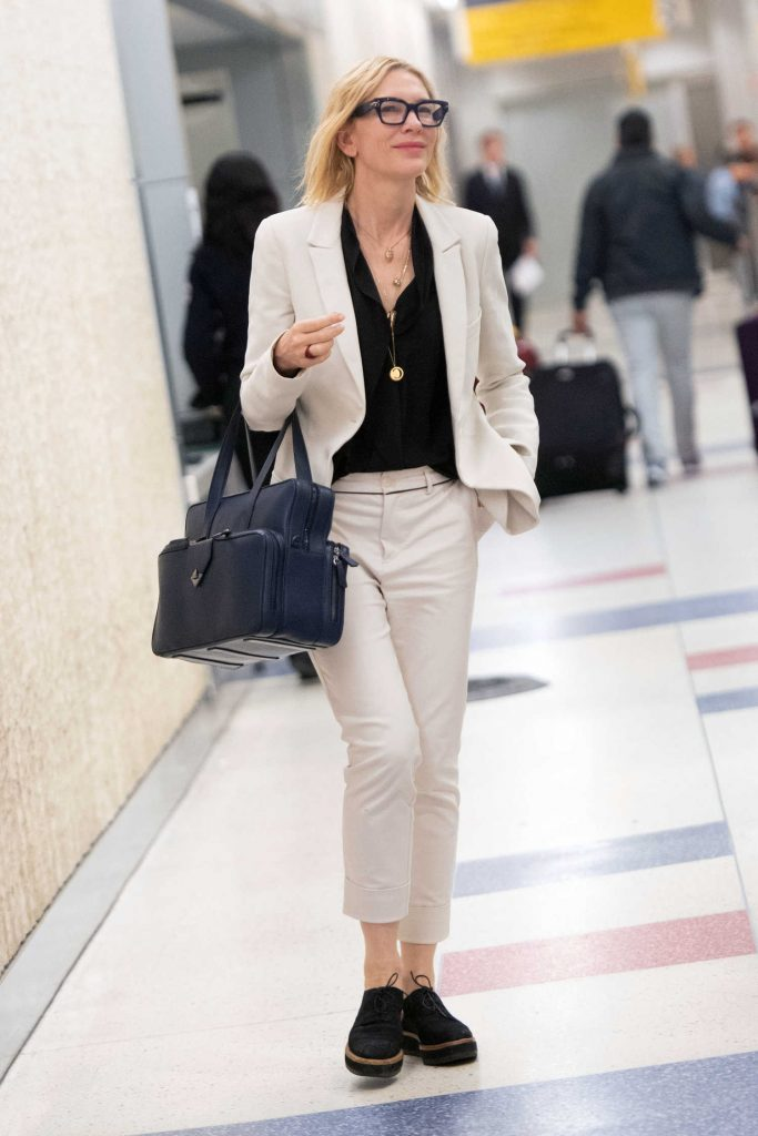 Cate Blanchett Arrives at JFK Airport in New York City-4