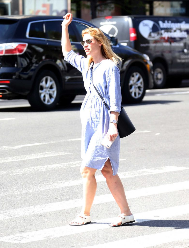 Claire Danes Takes a Cab in New York City-1