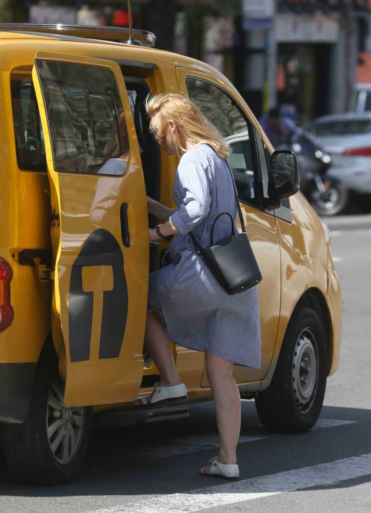 Claire Danes Takes a Cab in New York City-4