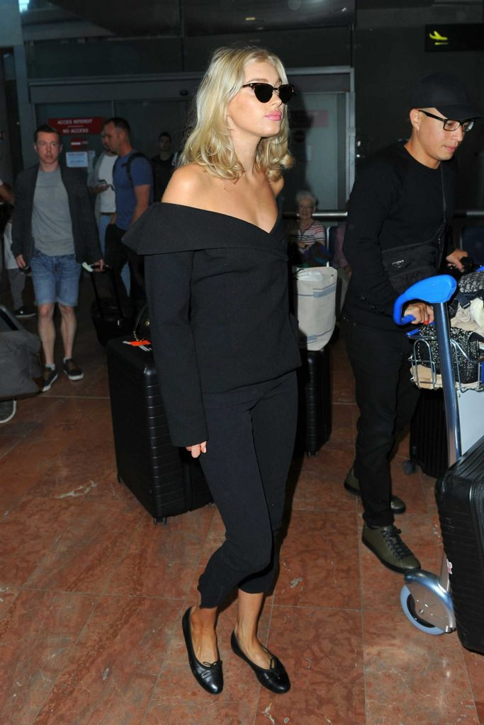 Elsa Hosk Arrives at the Cote D'Azur Airport in Nice-3