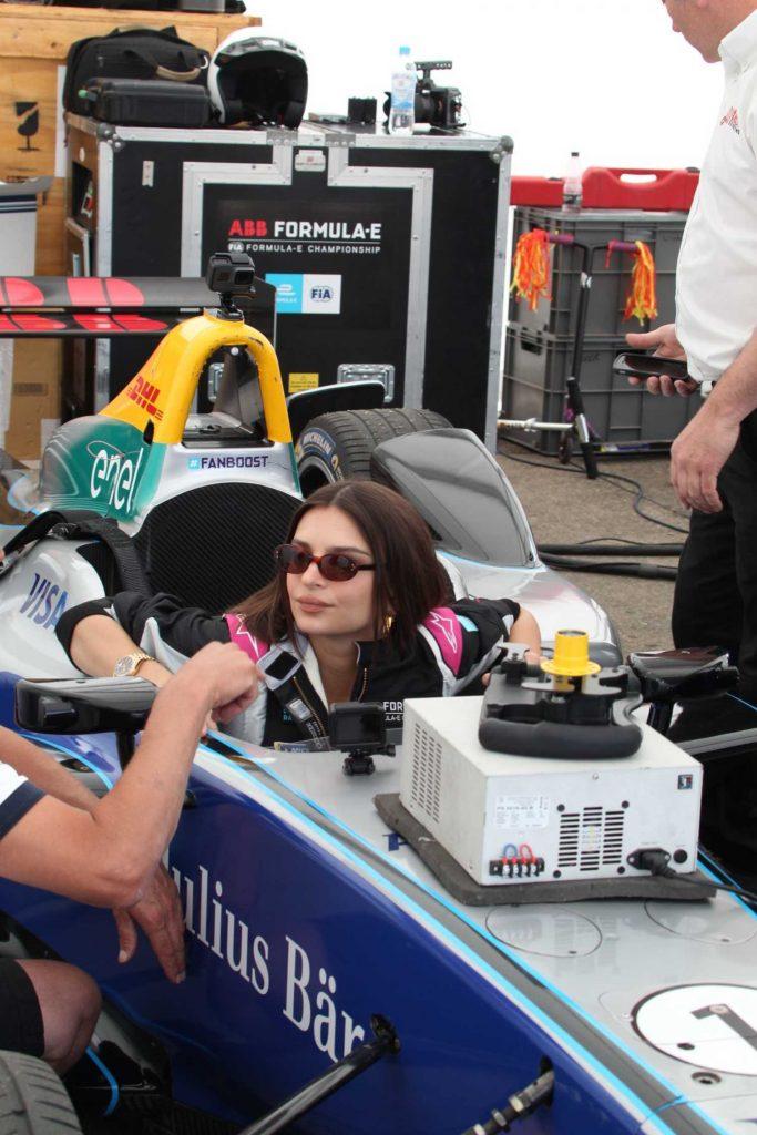 Emily Ratajkowski at 2018 ABB FIA Formula E BMW i Berlin E-Prix-5