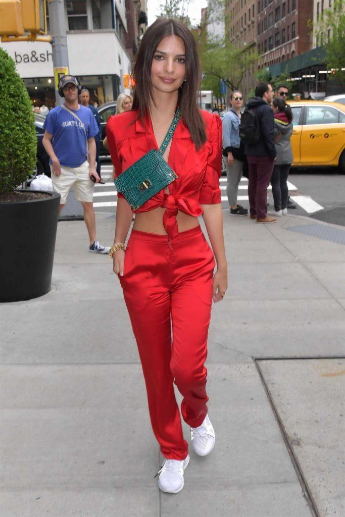 Emily Ratajkowski Returns to The Mark Hotel in New York-4