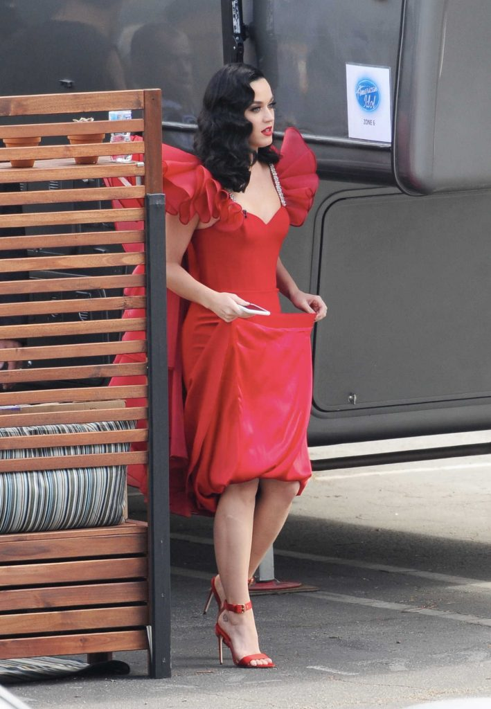 Katy Perry Arrives at the American Idol Live Show in Los Angeles-1