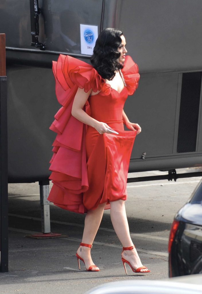 Katy Perry Arrives at the American Idol Live Show in Los Angeles-3