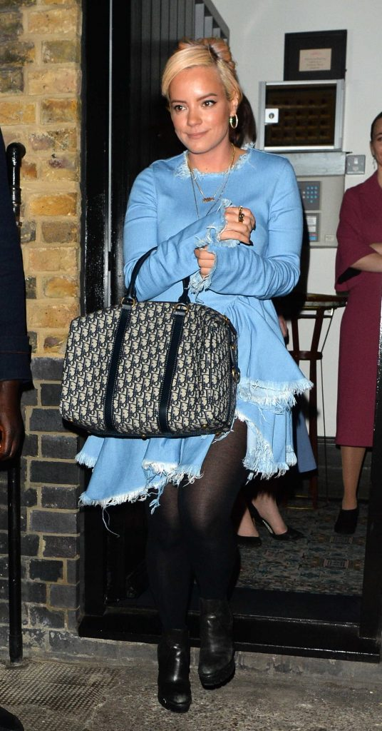 Lily Allen Was Seen Out in London-1