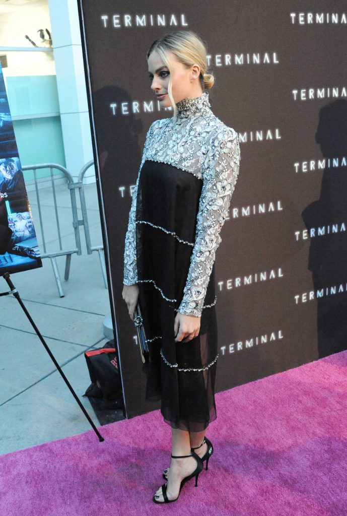 Margot Robbie at the Terminale Premiere in Hollywood-3
