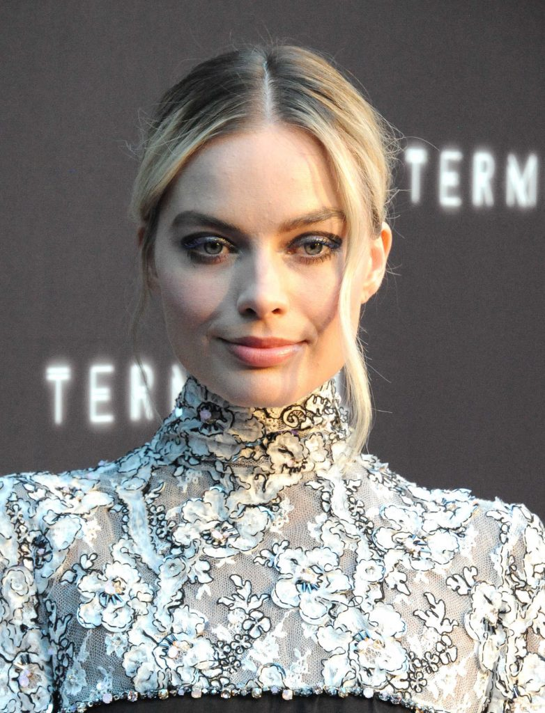 Margot Robbie at the Terminale Premiere in Hollywood-5