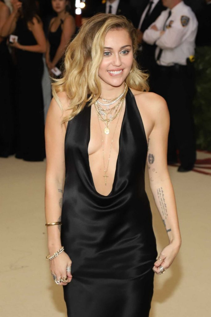 Miley Cyrus at 2018 Heavenly Bodies: Fashion and The Catholic Imagination Costume Institute Gala in New York City-5