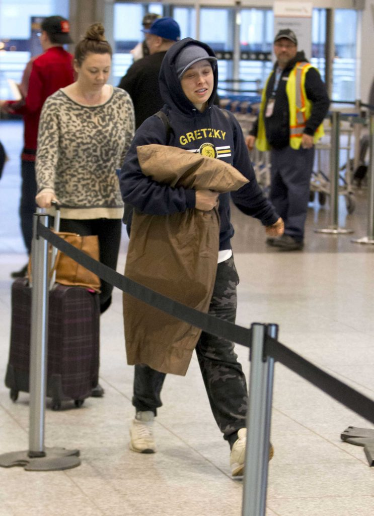 Ronda Rousey Was Spotted in Montreal Airport in Canada-1