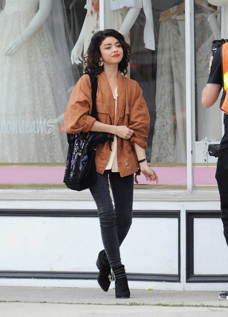 Sarah Hyland Was Spotted Out in Los Angeles-1