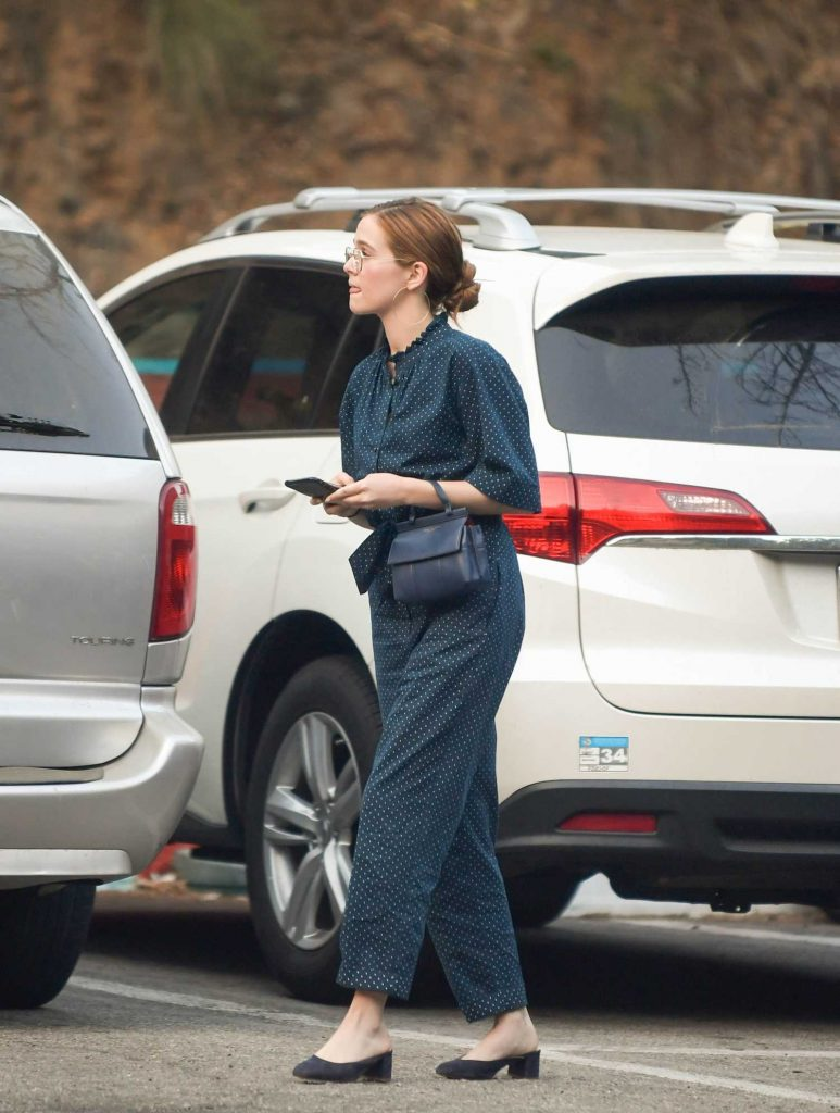 Zoey Deutch Was Seen Out in West Hollywood-4