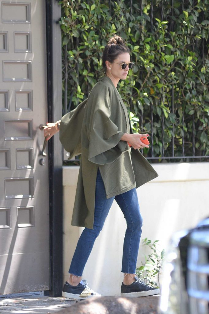 Alessandra Ambrosio Looking Cool Out in Los Angeles-4