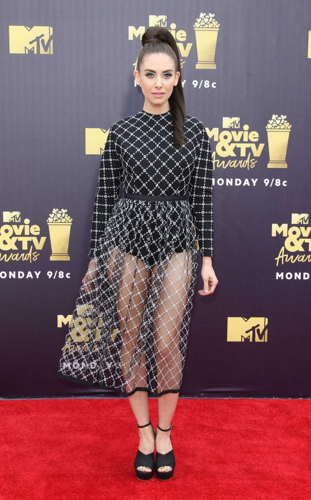 Alison Brie Attends the 2018 MTV Movie and TV Awards in Santa Monica-1