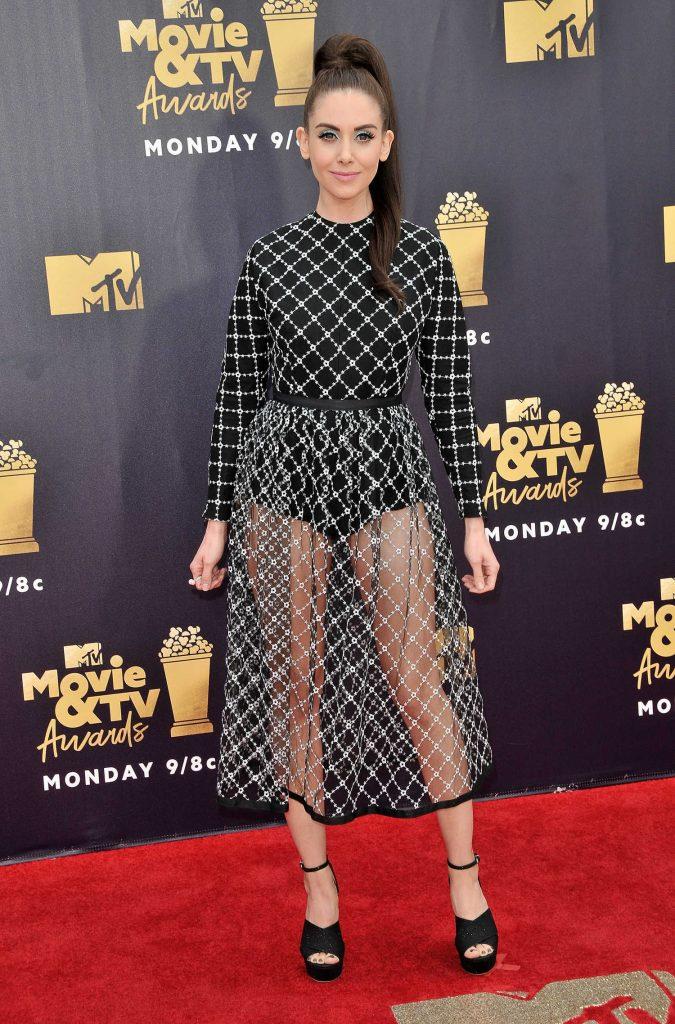 Alison Brie Attends the 2018 MTV Movie and TV Awards in Santa Monica-2