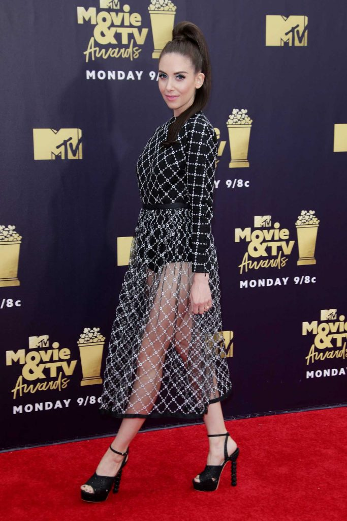 Alison Brie Attends the 2018 MTV Movie and TV Awards in Santa Monica-3