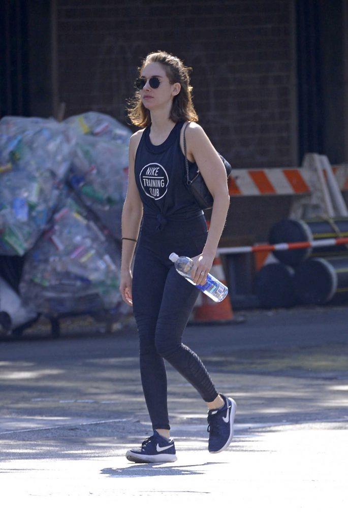 Alison Brie Heads to a Workout Session in SoHo, New York City-2