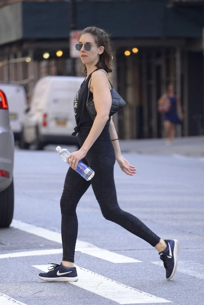 Alison Brie Heads to a Workout Session in SoHo, New York City-5