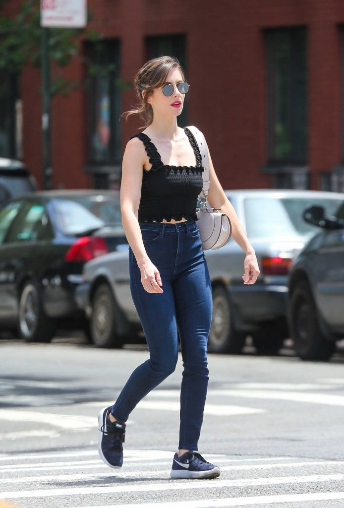 Alison Brie Was Spotted Out on a Stroll in New York City-2