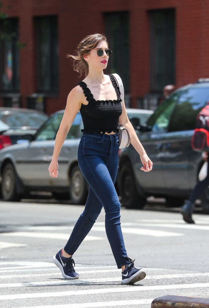 Alison Brie Was Spotted Out on a Stroll in New York City-3