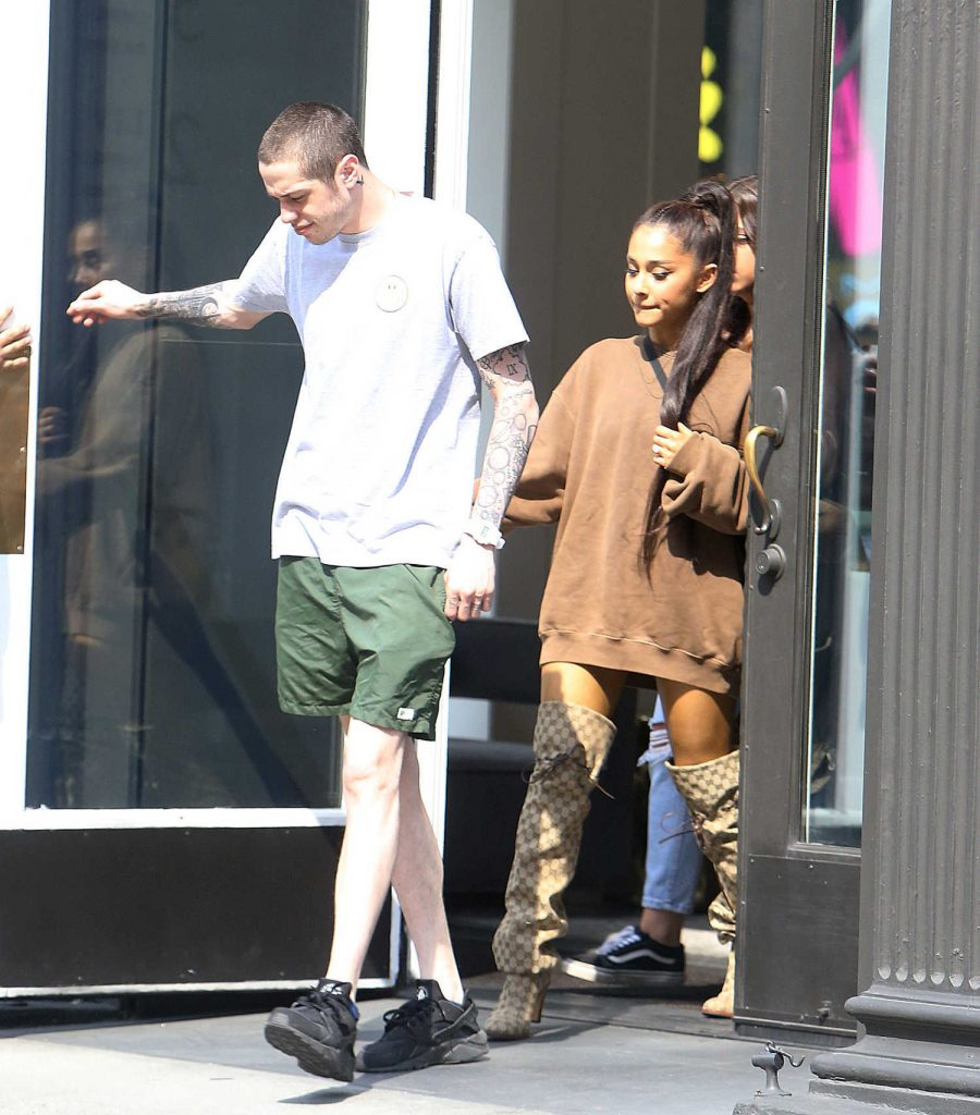Ariana Grande Goes Shopping Out with Pete Davidson in New York City-1