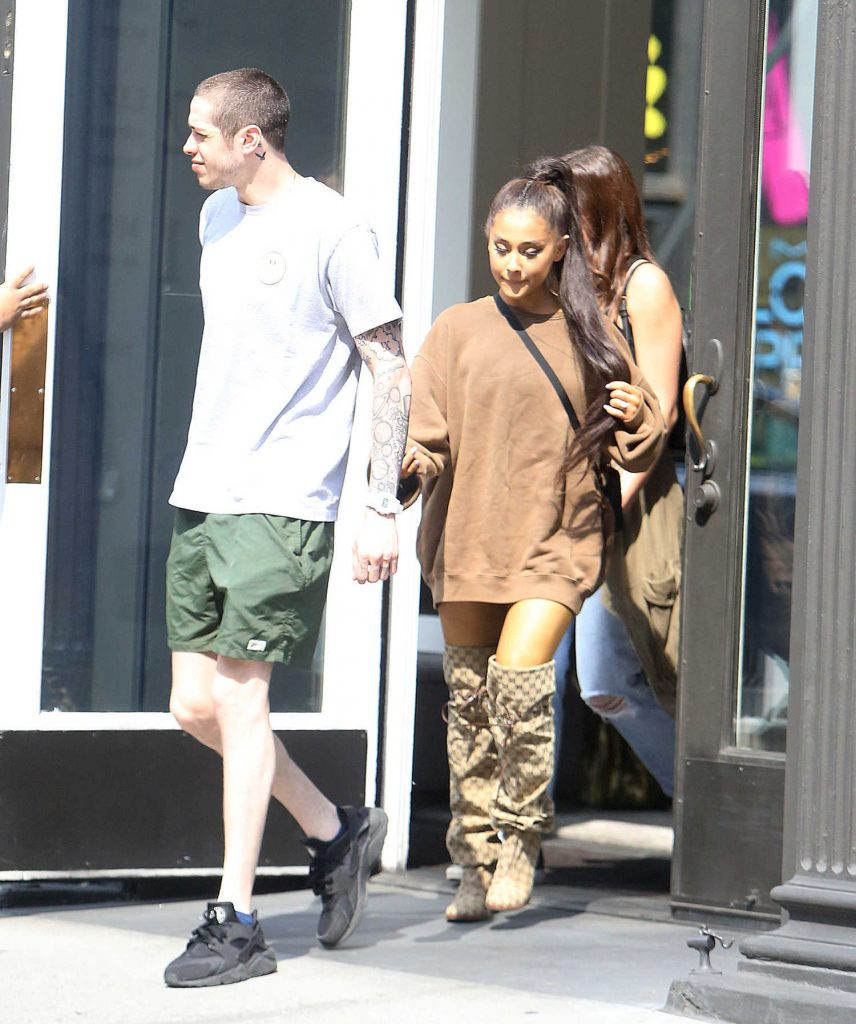 Ariana Grande Goes Shopping Out with Pete Davidson in New York City-2