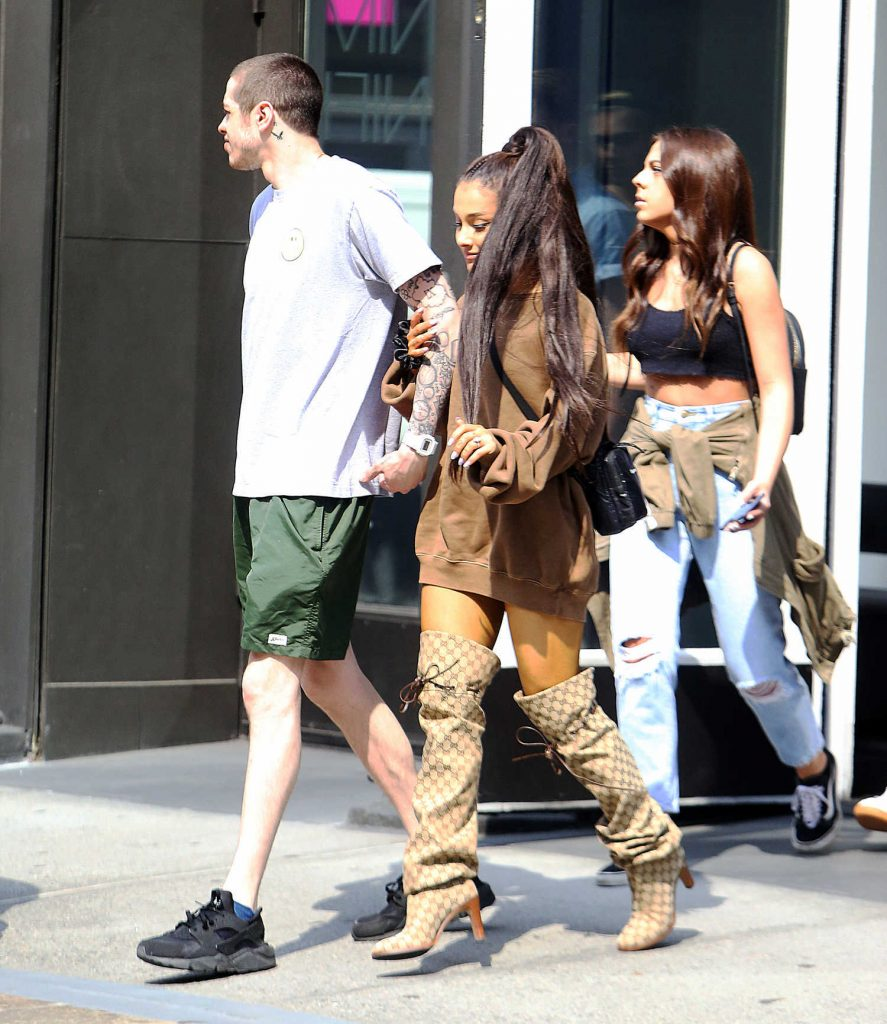 Ariana Grande Goes Shopping Out with Pete Davidson in New York City-3