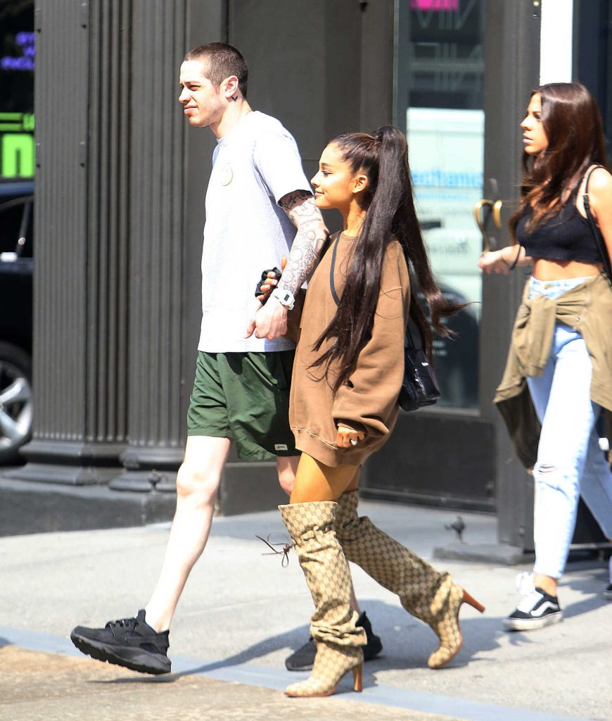 Ariana Grande Goes Shopping Out with Pete Davidson in New York City-4