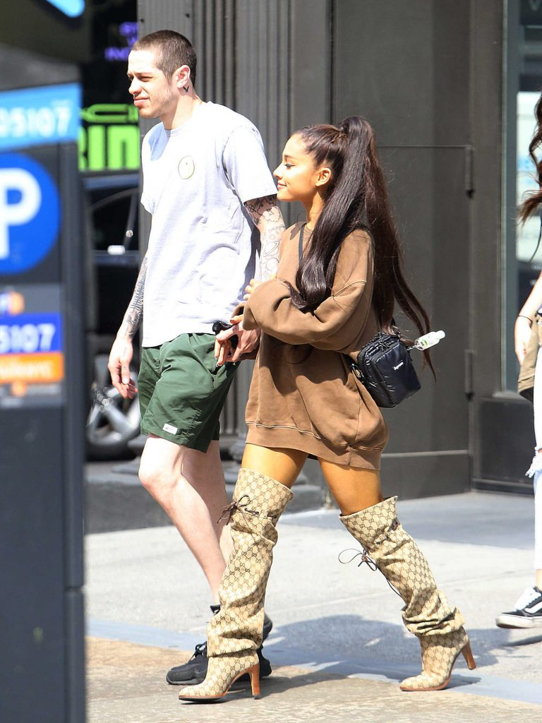 Ariana Grande Goes Shopping Out with Pete Davidson in New York City-5