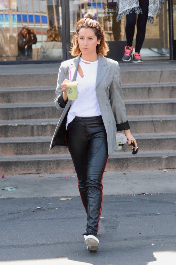 Ashley Tisdale Was Seen Out in LA-4